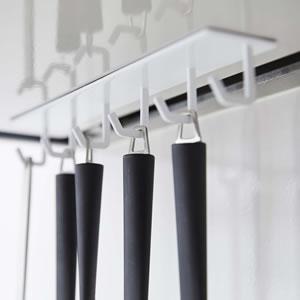 マグネット可動式キッチンツールフック タワー【キッチン収納/おしゃれ】ホワイトの使用詳細画像