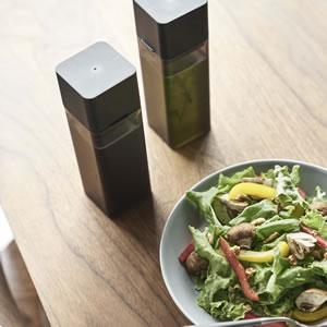 詰め替え用調味料ボトル タワー【キッチン収納/おしゃれ】ブラックの使用画像