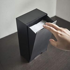 ツーウェイマスク収納ケース タワー【コロナ対策/収納/おしゃれ】ブラックの使用画像