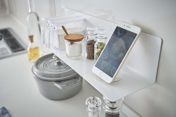 マグネットキッチン棚 タワー ワイド【キッチン収納/おしゃれ】ホワイトの使用画像