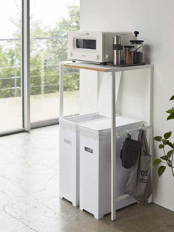 スリム蓋付きゴミ箱 タワー【キッチン収納/おしゃれ】ホワイトの使用画像
