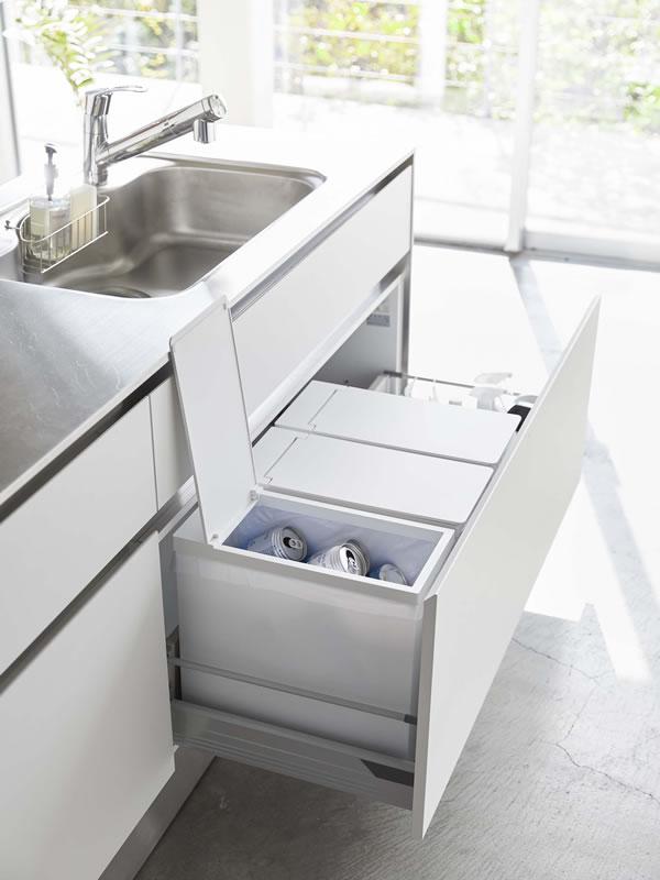 シンク下蓋付きゴミ箱 タワー【キッチン収納/おしゃれ】ホワイトの使用画像